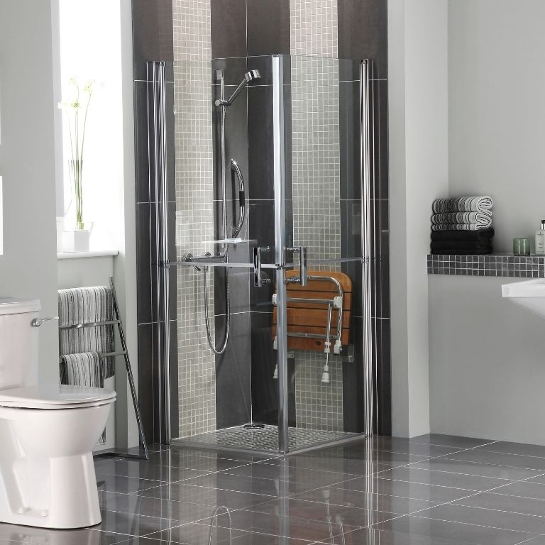 adapted bathroom design - Bell & Higgins, Glasgow