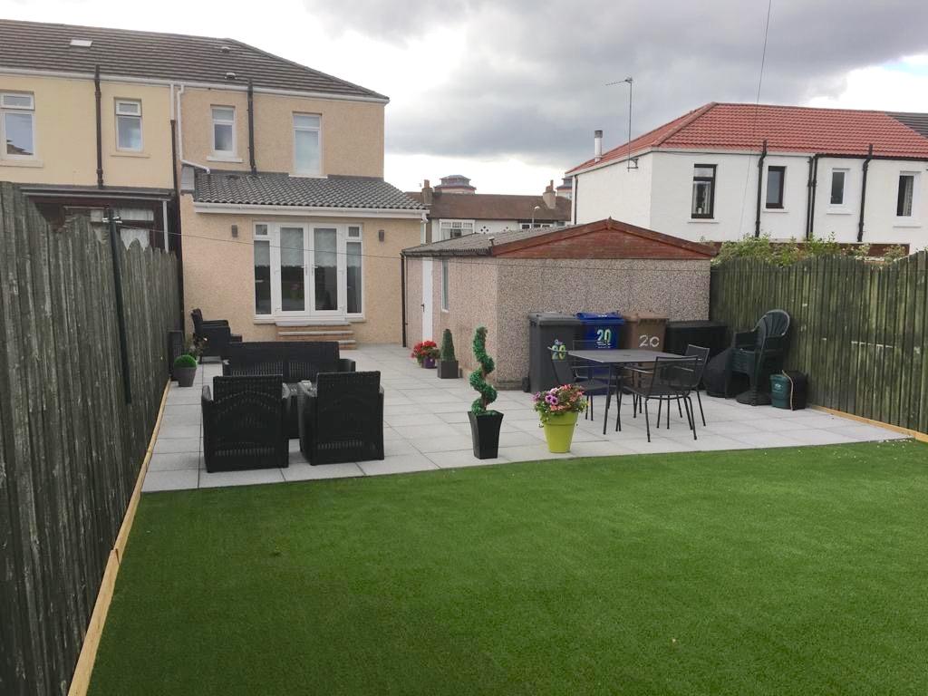 exterior rendering & landscaping - Renfrew