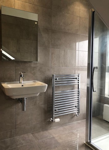 loft conversion Bearsden - bathroom - Bell & Higgins, Glasgow